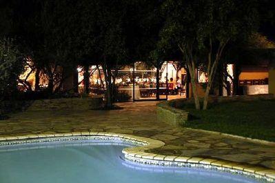 Namibië overnachting zwembad accommodatie Djoser