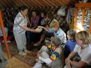 Op bezoek bij een familie