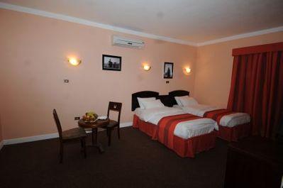 Jordanie hotel accommodatie kamer Djoser