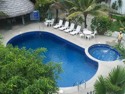 Ecuador en Galapagos overnachting zwembad Accommodatie Djoser