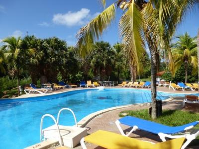 Cuba Zwembad leeg Djoser