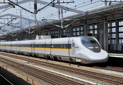Shinkansen Hikari Japan Djoser