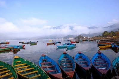 Djoser Nepal meer vervoer boot phewa meer