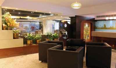 Dee Empresa lobby Calcutta/Kolkata India Djoser