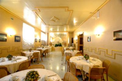 Italie accommodatie hotel overnachting lobby Djoser