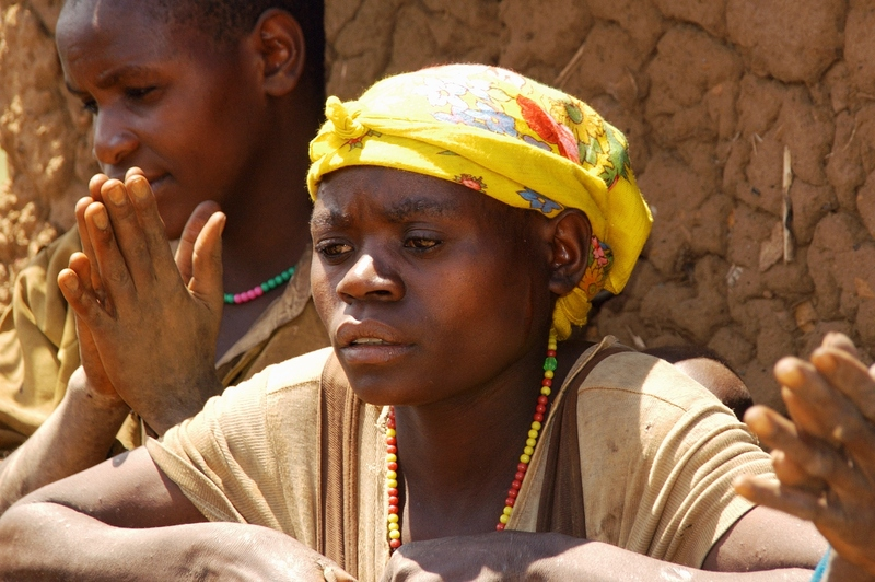 14- dorpsbezoek - vrouw