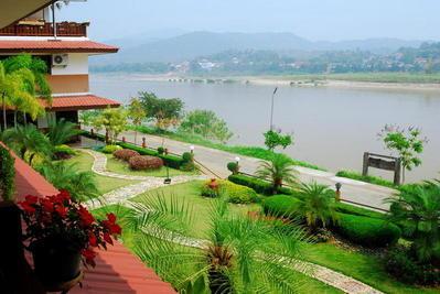 Namkhong Riverside Hotel uitzicht Chiang Khong Thailand Djoser