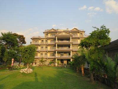 Pokhara Crown Himalayas Hotel accommodatie overnachting Djoser