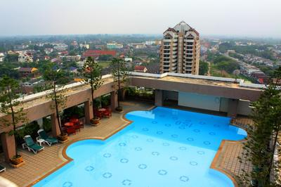 The Park Hotel zwembad Chiang Mai Thailand