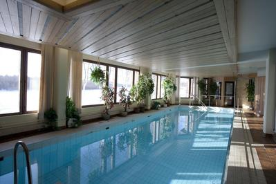 Hotel Ivalo zwembad