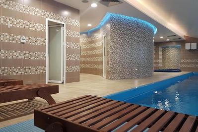 Hotel Omni zwembad Valjevo