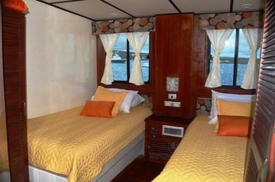 Anahi yacht kamer