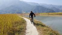 Rondreis Djoser Nepal Pokhara fietsen
