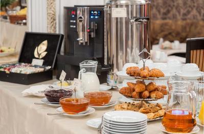 Tsentralny hotel ontbijt Jekaterinburg Rusland