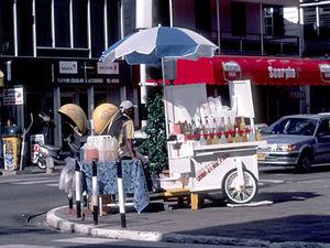 Paramaribo - karretje met schaafijs