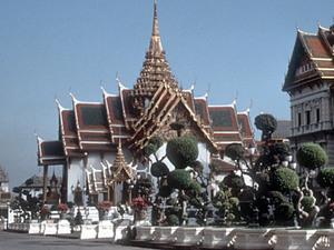 Bangkok - Koninklijk Paleis vanaf de straat