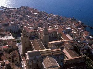 Cefalù - zicht op stad